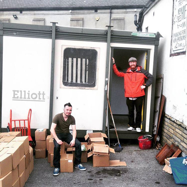 Martyn and Carl moving in to the HowDo cabin, Bradford, 2016